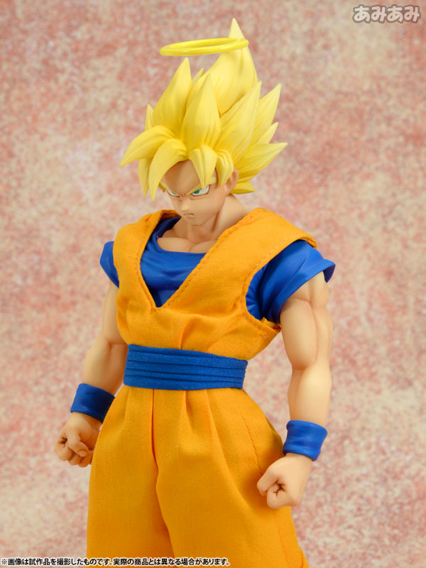 dimension-of-dragonball-Goku-01
