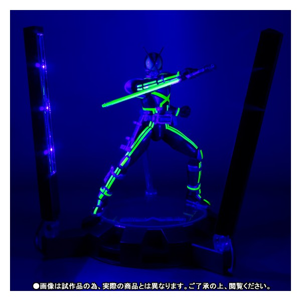 shfiguarts-kamen-rider-kaixa-glowing-stage-set-limited-01