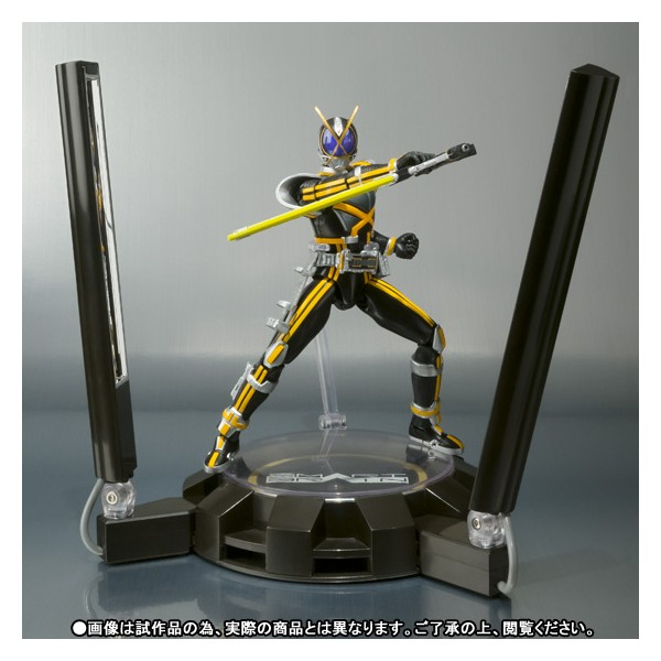 shfiguarts-kamen-rider-kaixa-glowing-stage-set-limited-02
