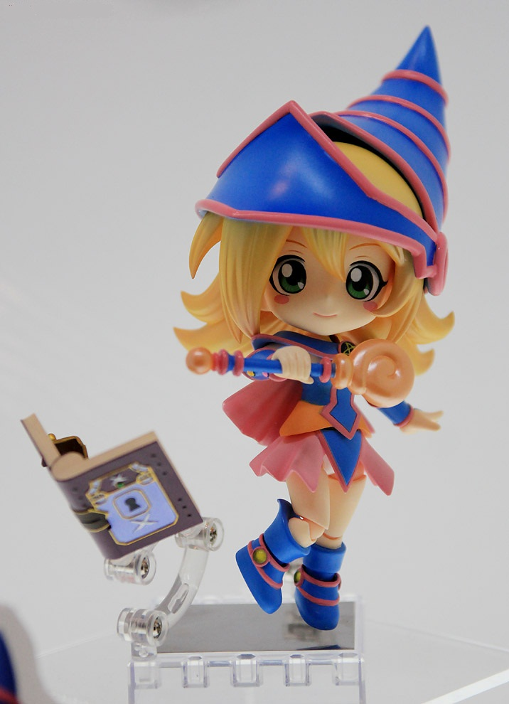 Black-Magician-Girl-02