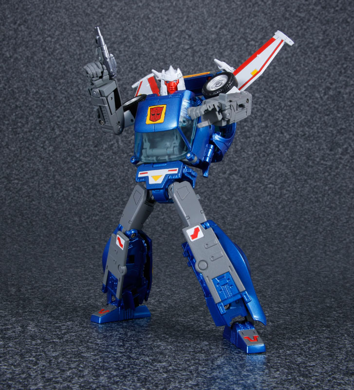 Transformers-Masterpiece-MP-25-Tracks-01